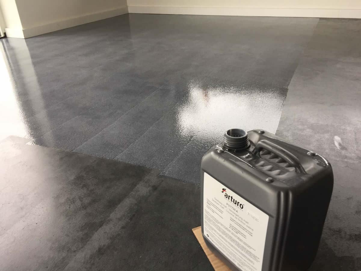 Woning in hoogkerk de betonvloer voorzien van pu coating