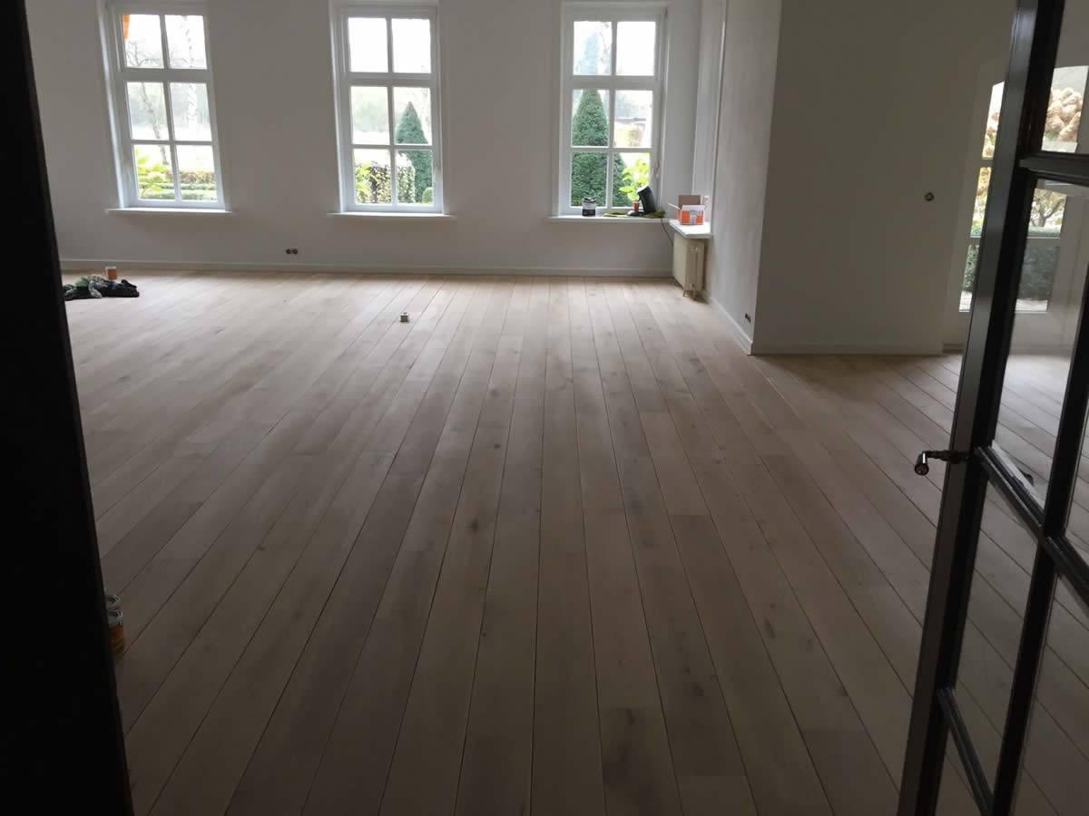 Kleurolie Houten Vloer : Eiken houten vloer schuren en oliën
